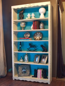 Wallpaper Lined Chalkpainted Bookshelf