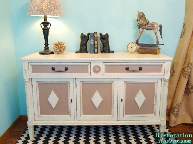 Chalkpainted Ivory Vintage Buffet Makeover