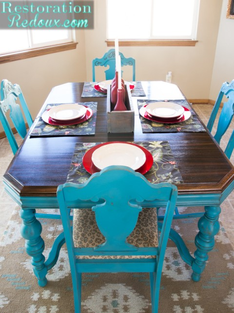 Turquoise dining table daily dose of style for Teal kitchen table