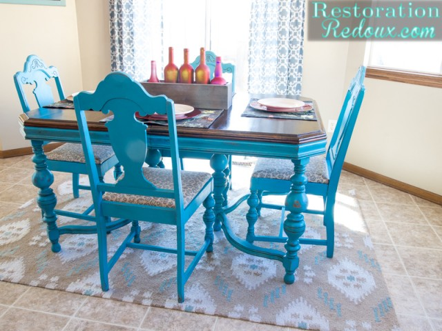 TurquoiseTableSet. TurquoiseTableCloseUp : blue dining table set - pezcame.com