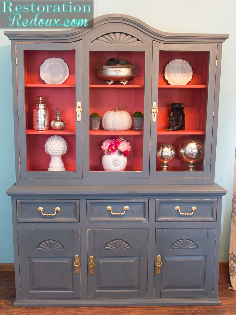 China hutch makeover with plaster paint - Debbiedoos