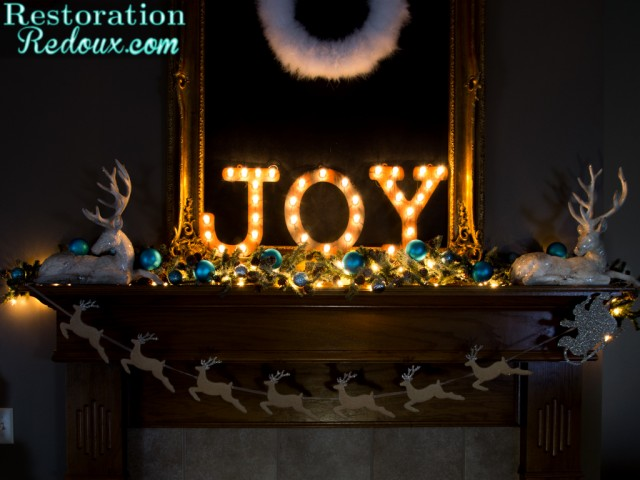 Redstoration Redoux's Christmas Mantel