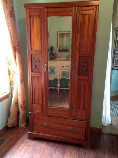 Armoire-Before
