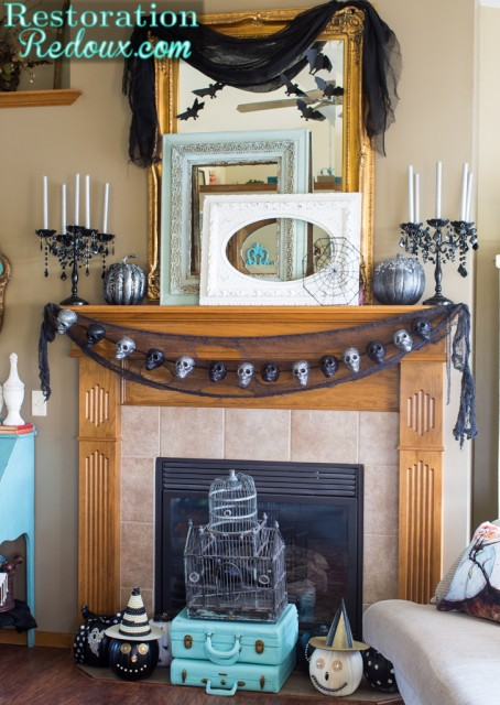 RestorationRedoux's-Halloween-Mantel-2015