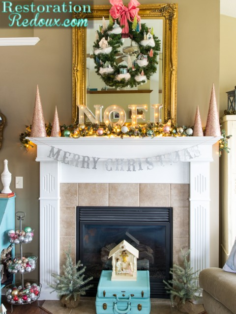 2015-Christmas-Mantel-by-RestorationRedoux