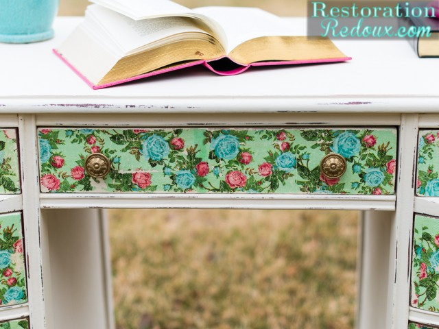 How to Decoupage a Desk Using Napkins