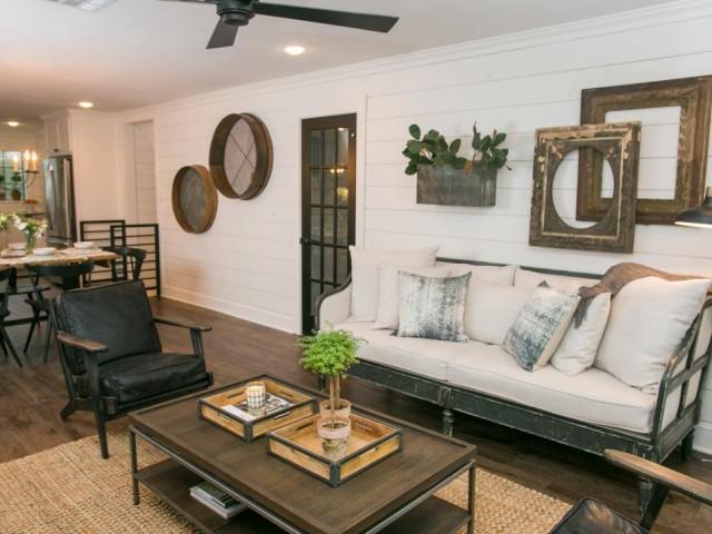 Top 10 Fixer Upper Living Rooms