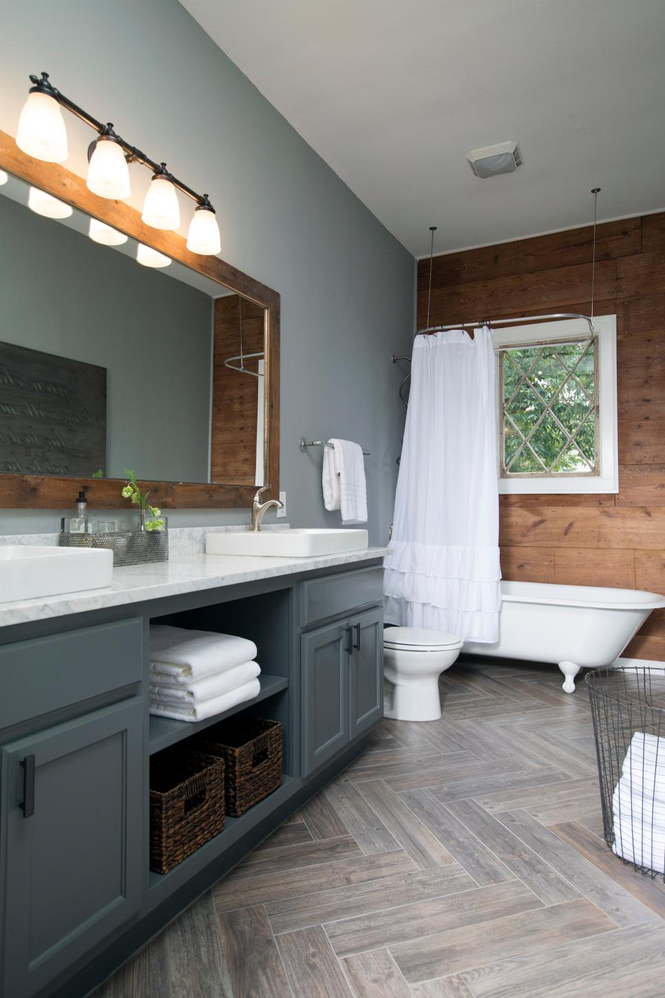 Top 10 fixer upper bathrooms daily dose of style - Bathroom paint colors with gray tile ...