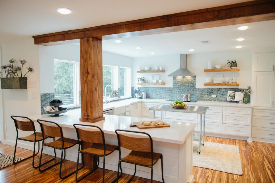 Top 10 fixer upper kitchens daily dose of style for Kitchen ideas joanna gaines