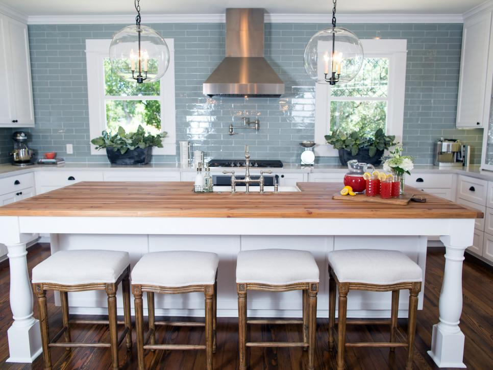 top 10 fixer upper kitchens daily dose of style. Black Bedroom Furniture Sets. Home Design Ideas