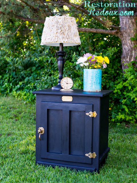 Black Painted Vintage IceBox Graphic